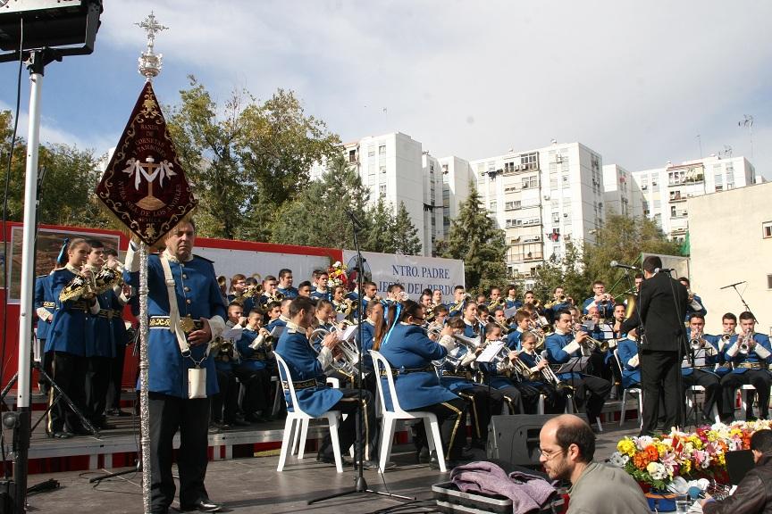 La Banda de Cornetas y Tambores Nuestra Señora de los Ángeles abrió el evento.