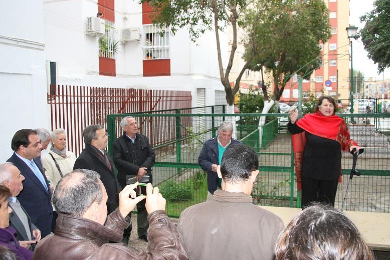 La vocal de Cultura de la A.VV. El Pueblo, Lola Varela, ejerció como madrina del evento.