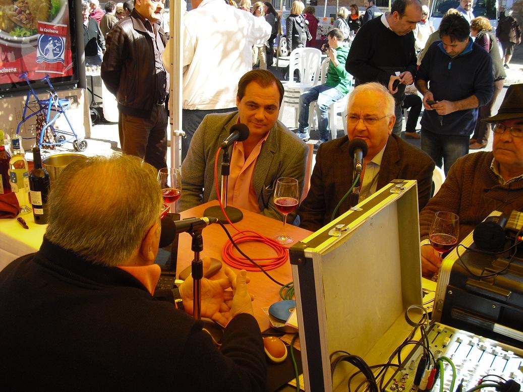 En la tertulia conducida por Carlos Varela junto a Juan Antonio Mesa Pte. de la A.V.V. Raíces
