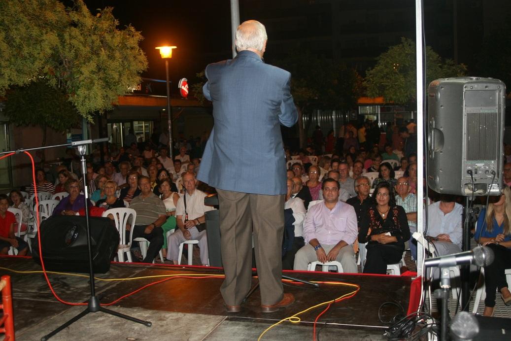 Gregorio Rasero, secretario de la Peña Manuel Mairena, demostró en su presentación que es uno de los flamencólogos más importante de Sevilla.