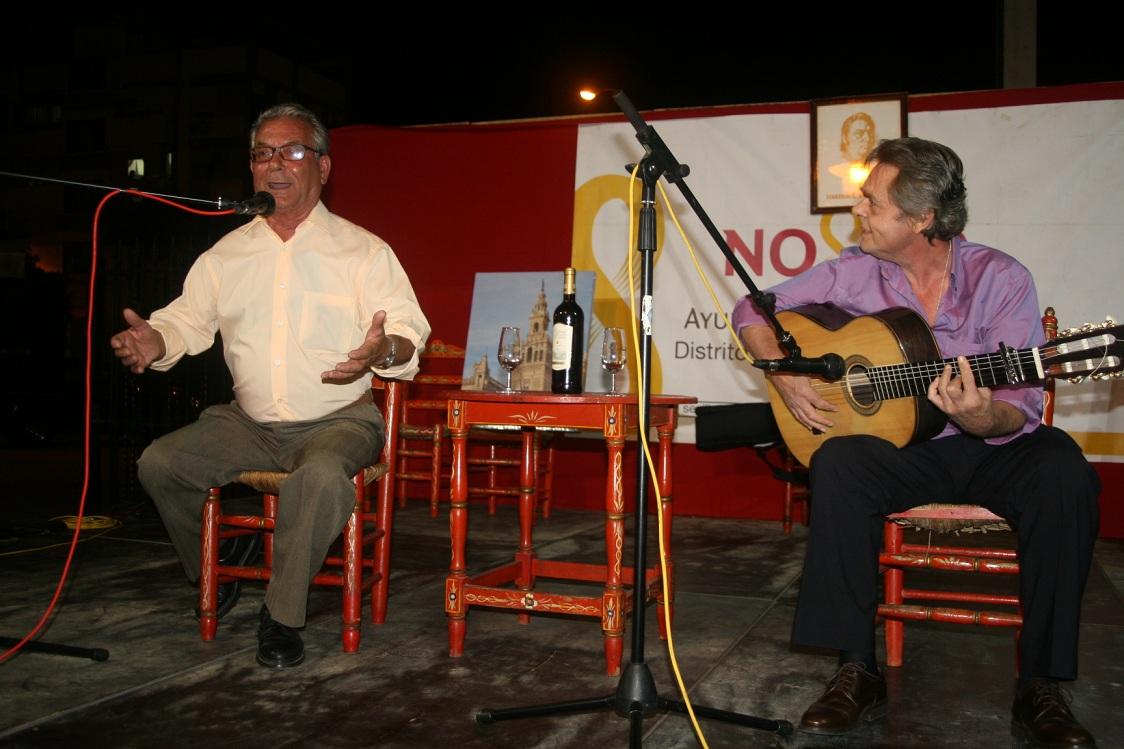 Los miembros de la Peña Manuel Mairena que cantaron sobre el escenario demostraron madera de grandes artistas.