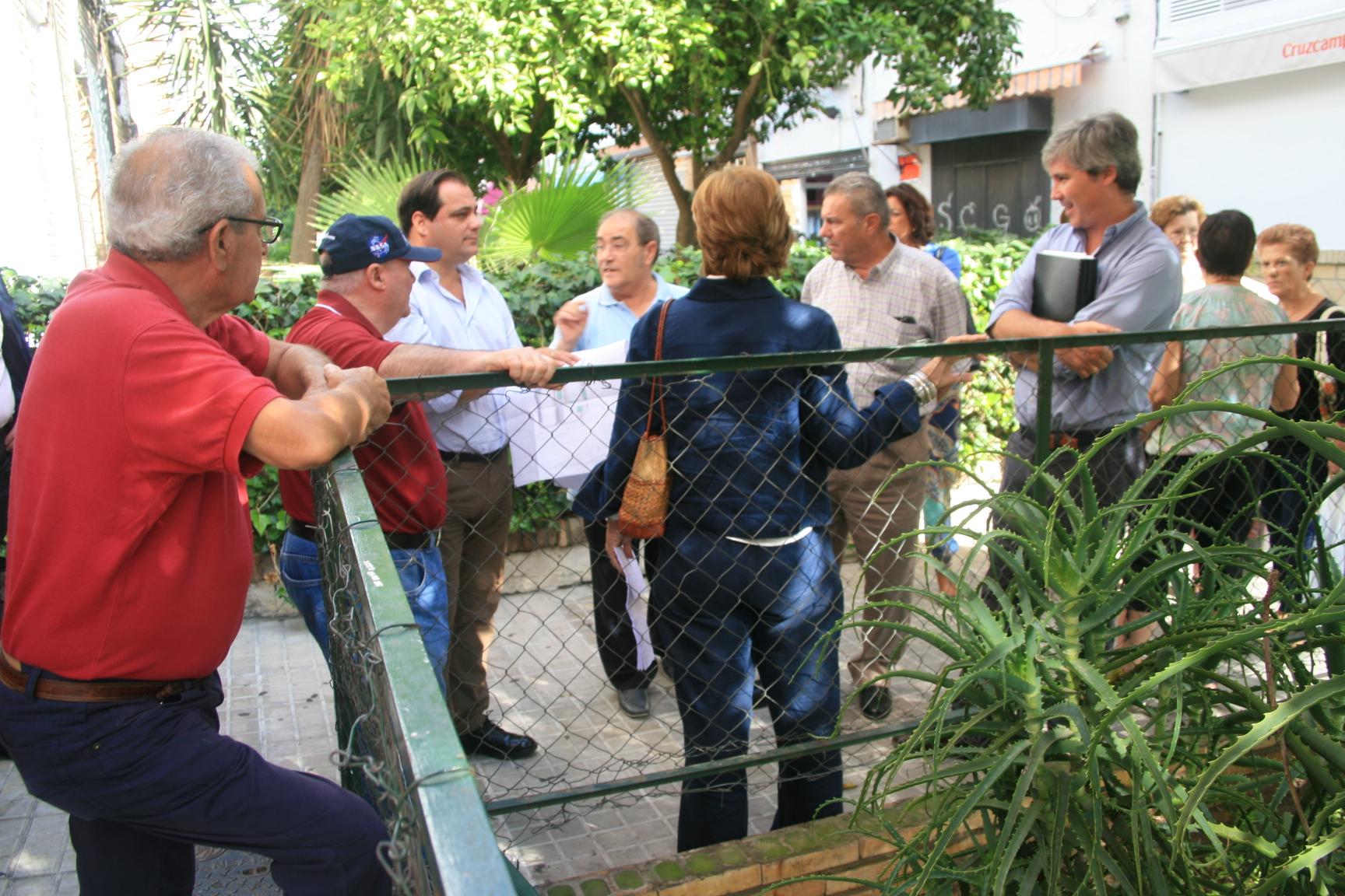 La altura de las vallas de algunos parterres también fue objeto de debate.