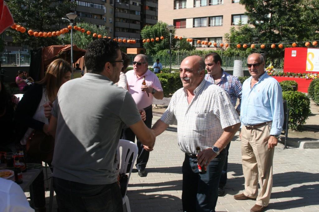Saludo rojo-romero