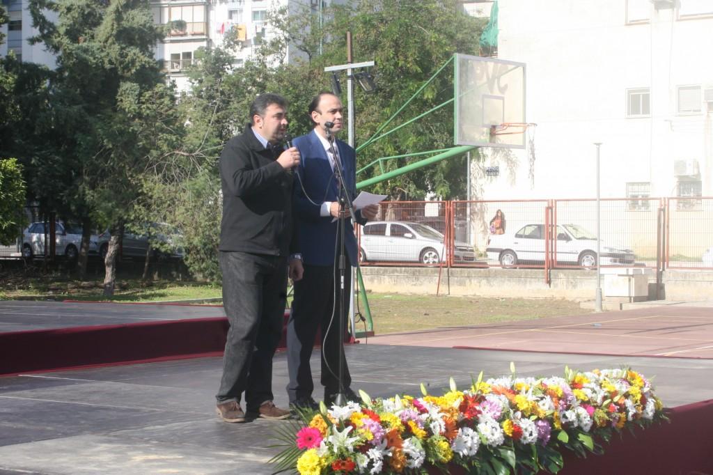 El presidente de la Asociación Cultural Cofrade El Perdón de la Corza, José Antonio del Castillo junto al periodista Ernesto Muñoz.
