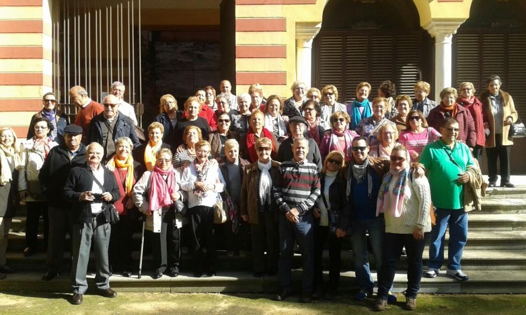 Foto de familia de los participantes del viaje a Sanlúcar