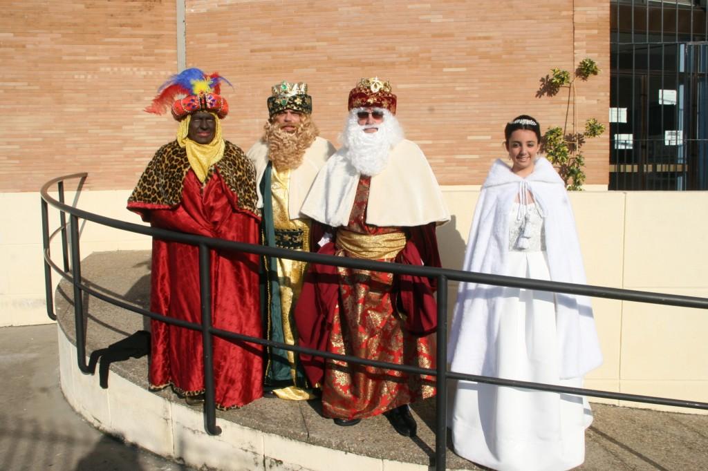 Baltasar, Gaspar y Melchor junto a la Estrella de la Ilusión.