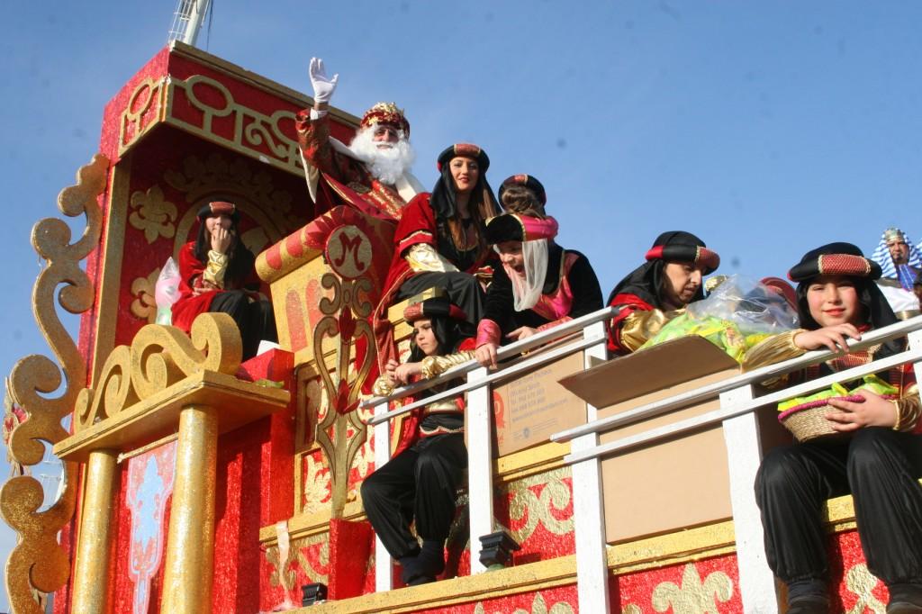La Carroza del Rey Melchor fue para la A.VV. Raíces.