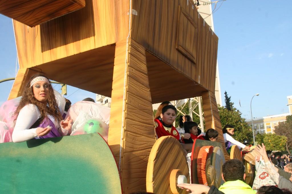 La Humildad y la A.VV. Huerta de Santa Teresa compartieron compartieron la Carroza Caballo de Troya.