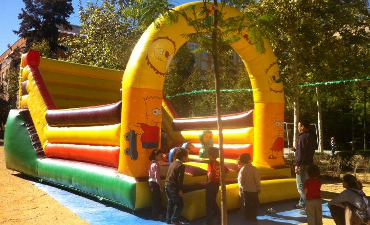 Niños disfrutando de la VII Fiesta del Niño