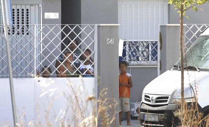 Una familia en una vivienda de Hacienda San Antonio
