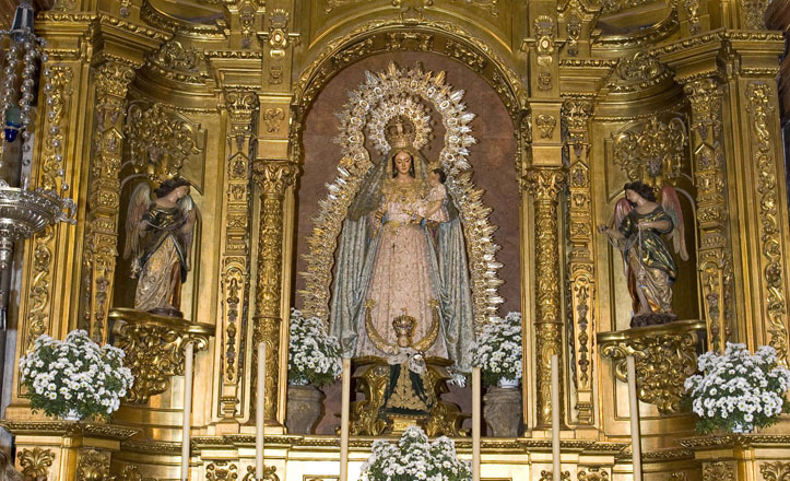 Virgen del Rosario en la Basílica de la Macarena