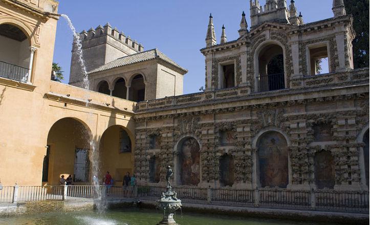 Jornadas sobre intervenciones arqueológicas en el Alcázar