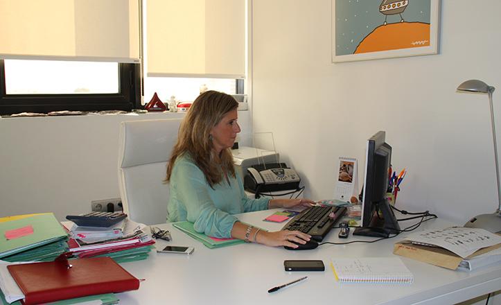 Teresa Fernández en su despacho
