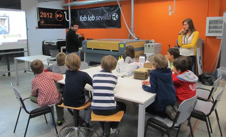 Los alumnos del Joaquiín Turina en el FabLab