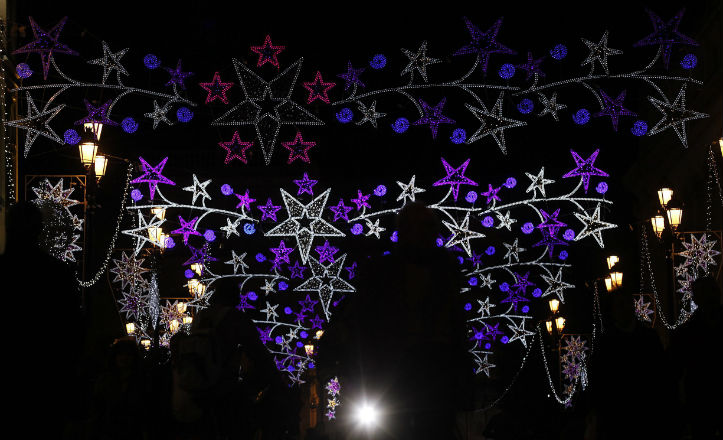 Alhelí y Algamitas, iluminadas por Navidad