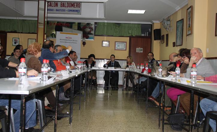 Los asistentes a la Junta de Distrito de Noviembre en el Comedor Social de Bellavista