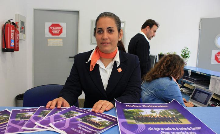 Ángela Fernández realiza sus prácticas en el Centro Cívico Hogar San Fernando
