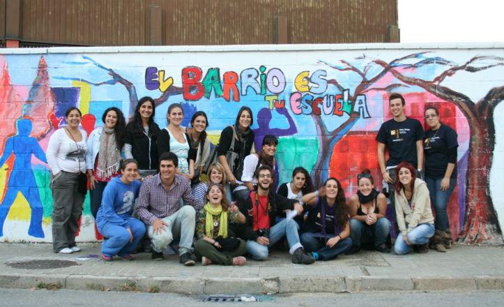 Voluntarios de la Residencia Flora Tristán