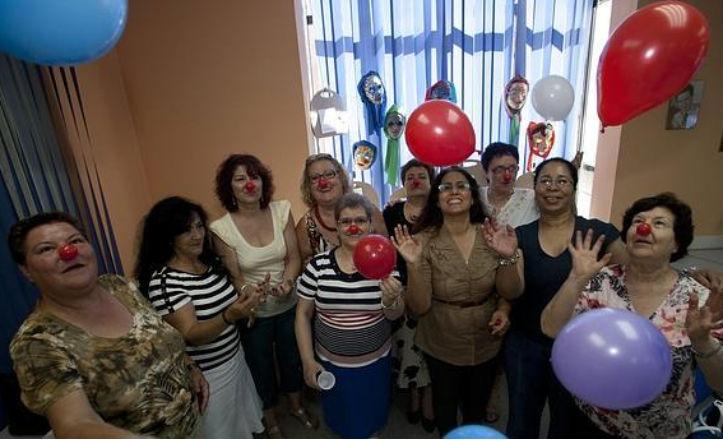 El centro cívico Bellavista organiza talleres de risoterapia