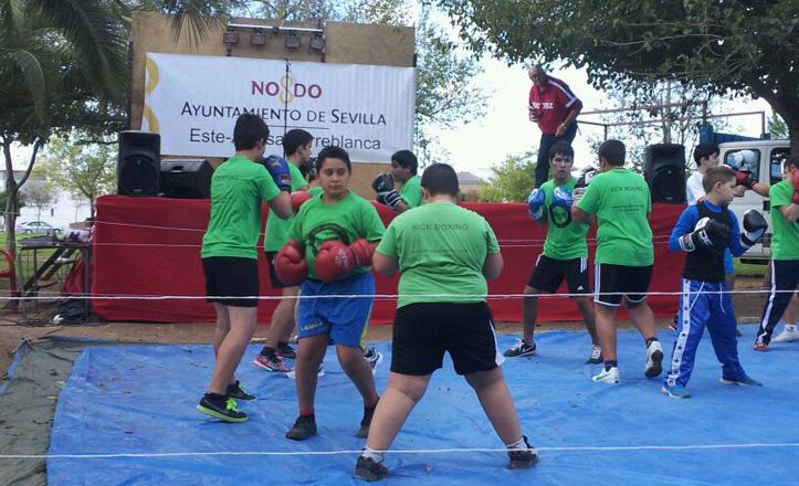 Los chicos de Torrebox entrenando boxeo