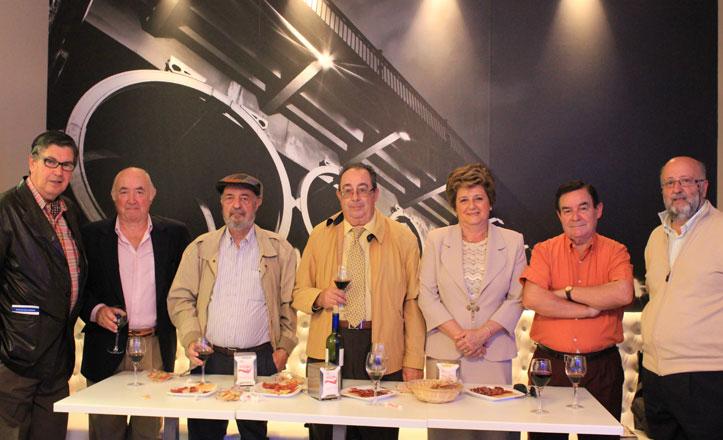 Puente de Barcas crea el primer concurso de relatos cortos en Triana