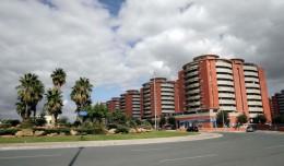 Avenida de Jerez con los edificios Jardines de Hércules al fondo