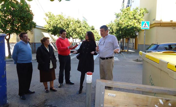La delegada del distrito Macarena visita la zona de Pío XII