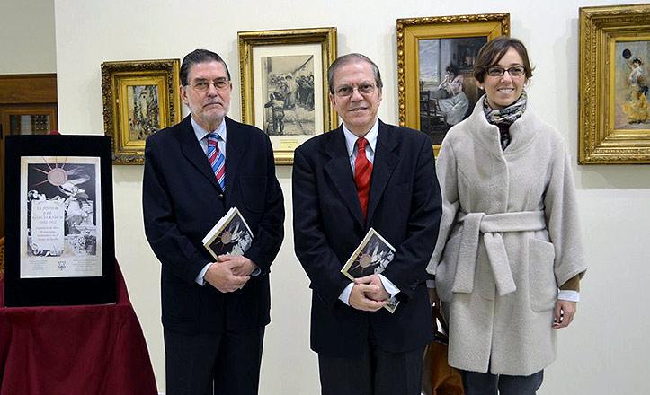 El presidente del Ateneo, Alberto Máximo Pérez Calero, y los organizadores de la muestra de José García Ramos.