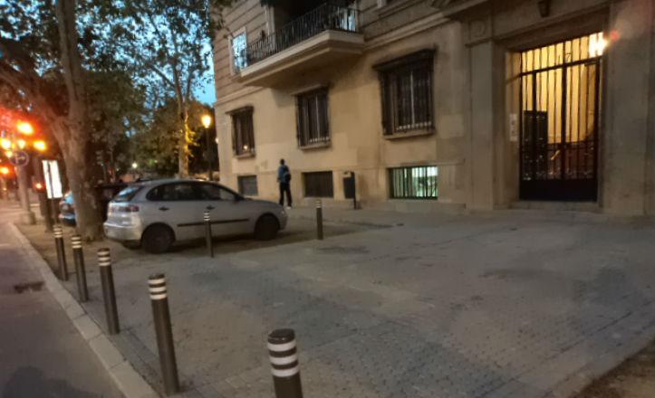 Bolardos instalados en la avenida de Portugal
