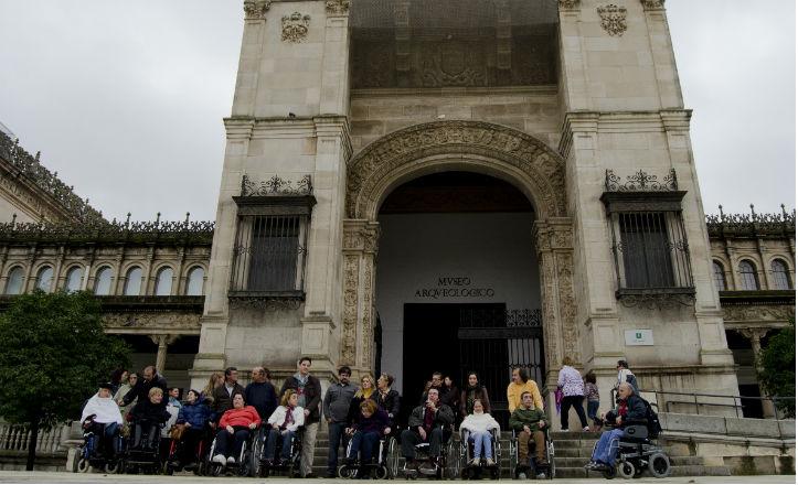Los discapacitados visitaron el museo arqueológico