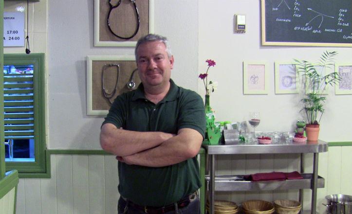 Eduardo Carnerero, dueño del restaurante Sana sana