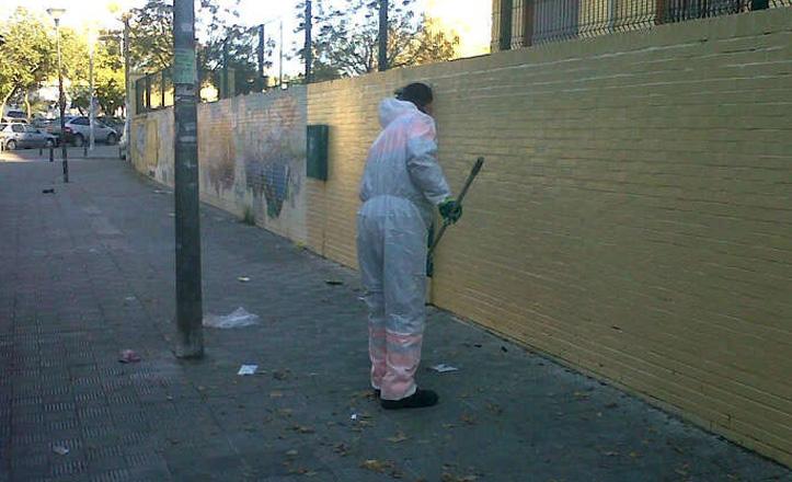 limpieza-grafitis-colegio