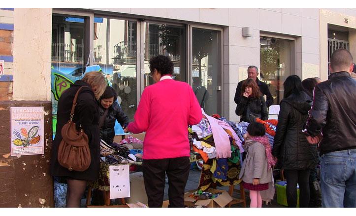 Mercadillo solidario a favor de la asociación Elige la vida