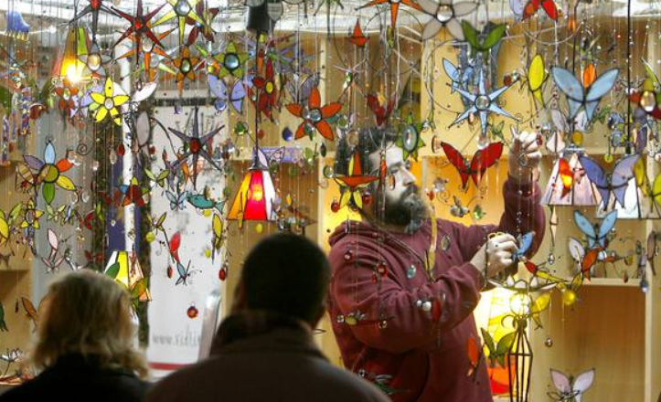 Mercado artesano en la Plaza Nueva