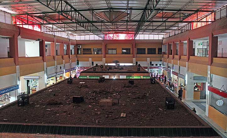 La vista de las cubiertas del Mercado de Pino Montano