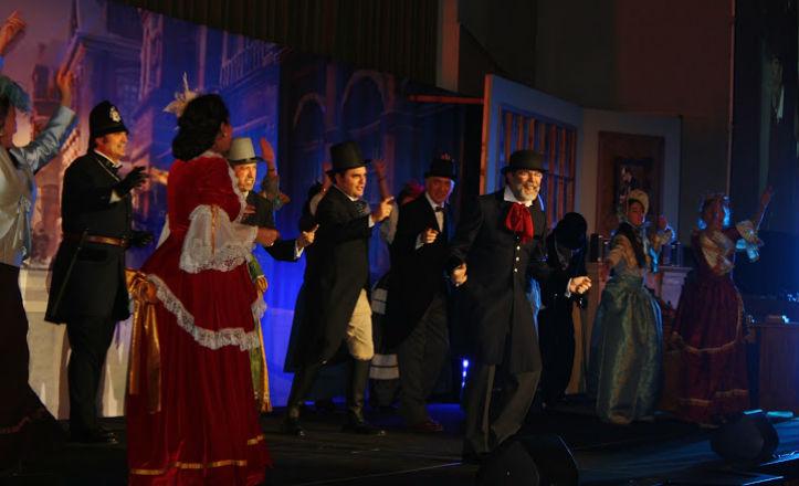 Un momento del musical «Cuento de Navidad»