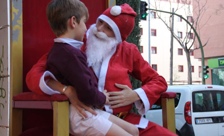 Papá Noel con un niño