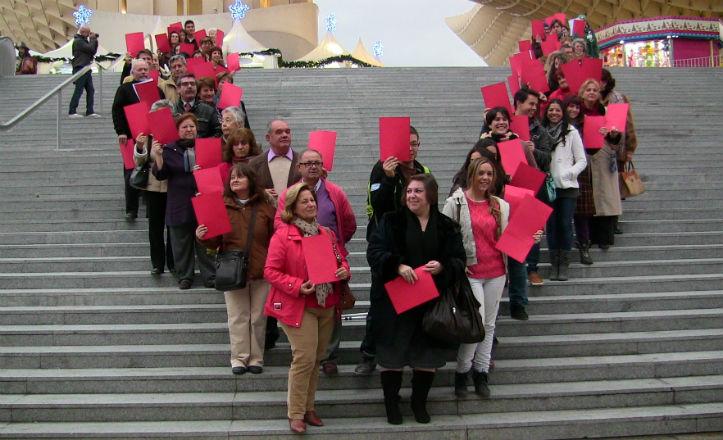 «V» humana realizada por los voluntarios en Las Setas