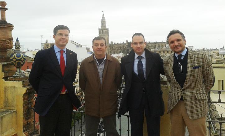 Rafael Belmonte, José Manuel Mira y representantes de otras entidades