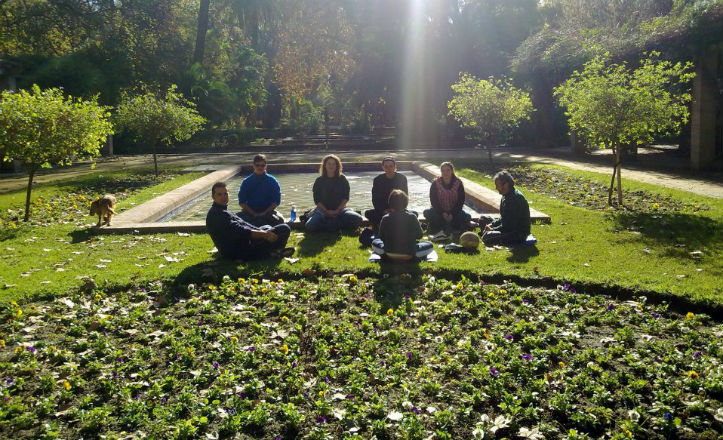 Meditación en el Parque María Luisa