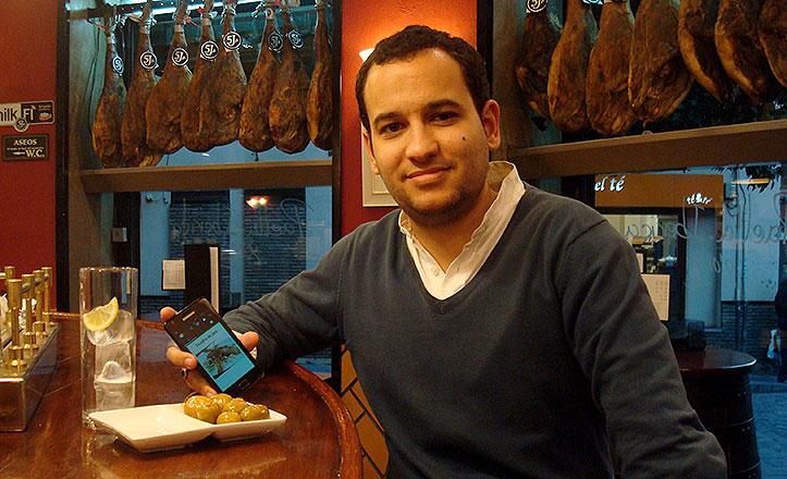 Daniel González, creador de Tapabook.