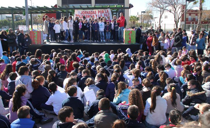 En el Bulevar más de mil niños cantan el himno de la alegría