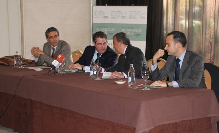De izquierda a derecha: Manuel Dorado, Gregorio Serrano, José Manuel Mira y Rafael Belmonte durante la presentación de la Federación