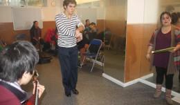 Alumnos en la clase de cante y baile
