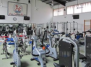 Instalaciones del Club Natación vacías