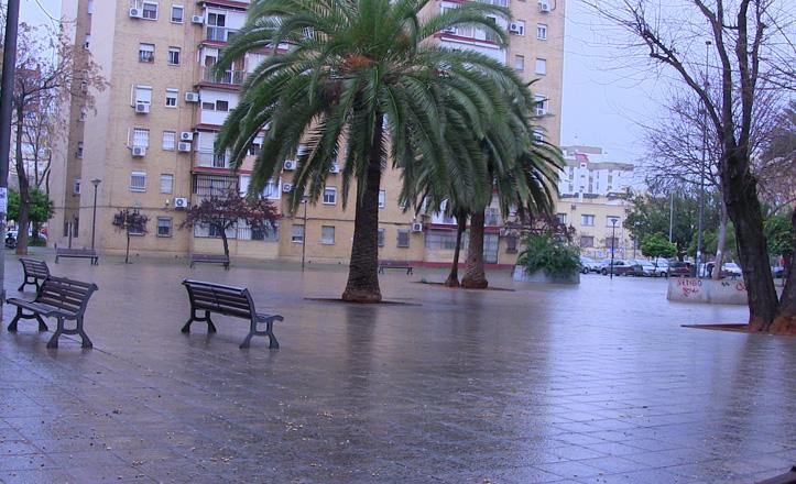 plaza-generalife-bancos