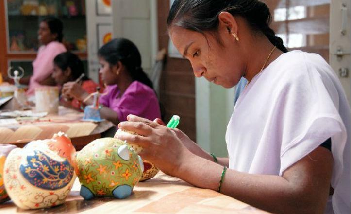 Trabajos de la mujeres de India en la Fundación Vicente Ferrer