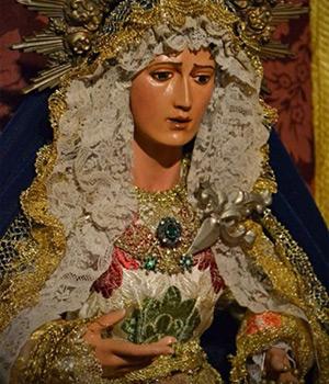 Virgen del colegio Nuestra Señora del Rosario de Triana