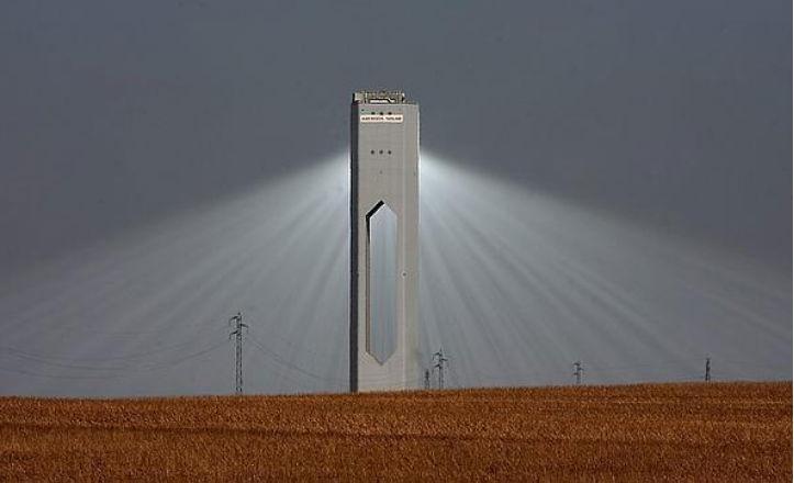 abengoa-solucar-torre--644x362