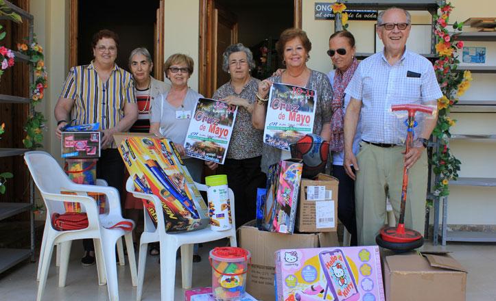 Los voluntarios de Consolación preparan la gran fiesta de la Cruz de Mayo